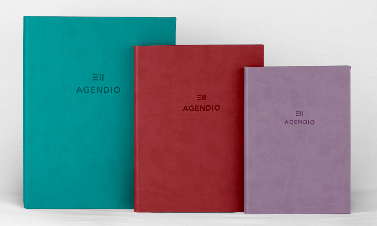 Three sizes of Agendio wrap covers for different tastes