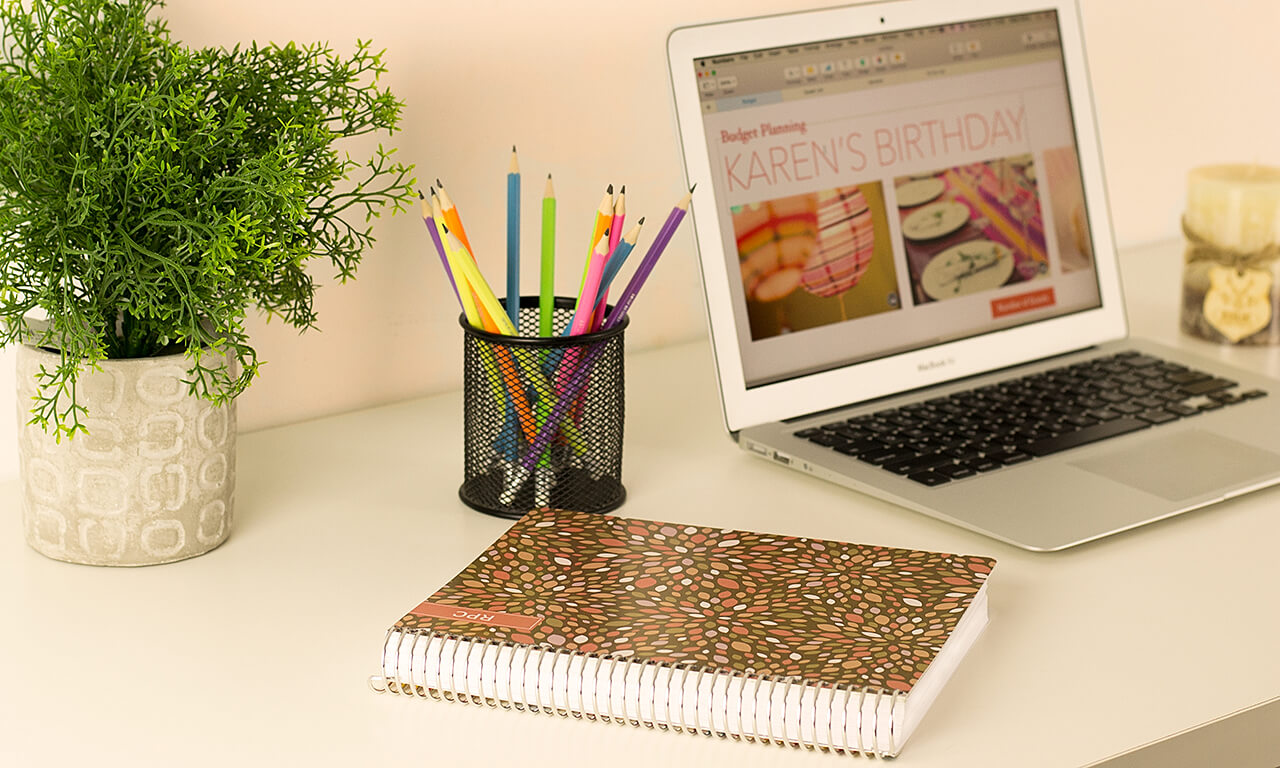 Agendio planner with floral customizable cover
